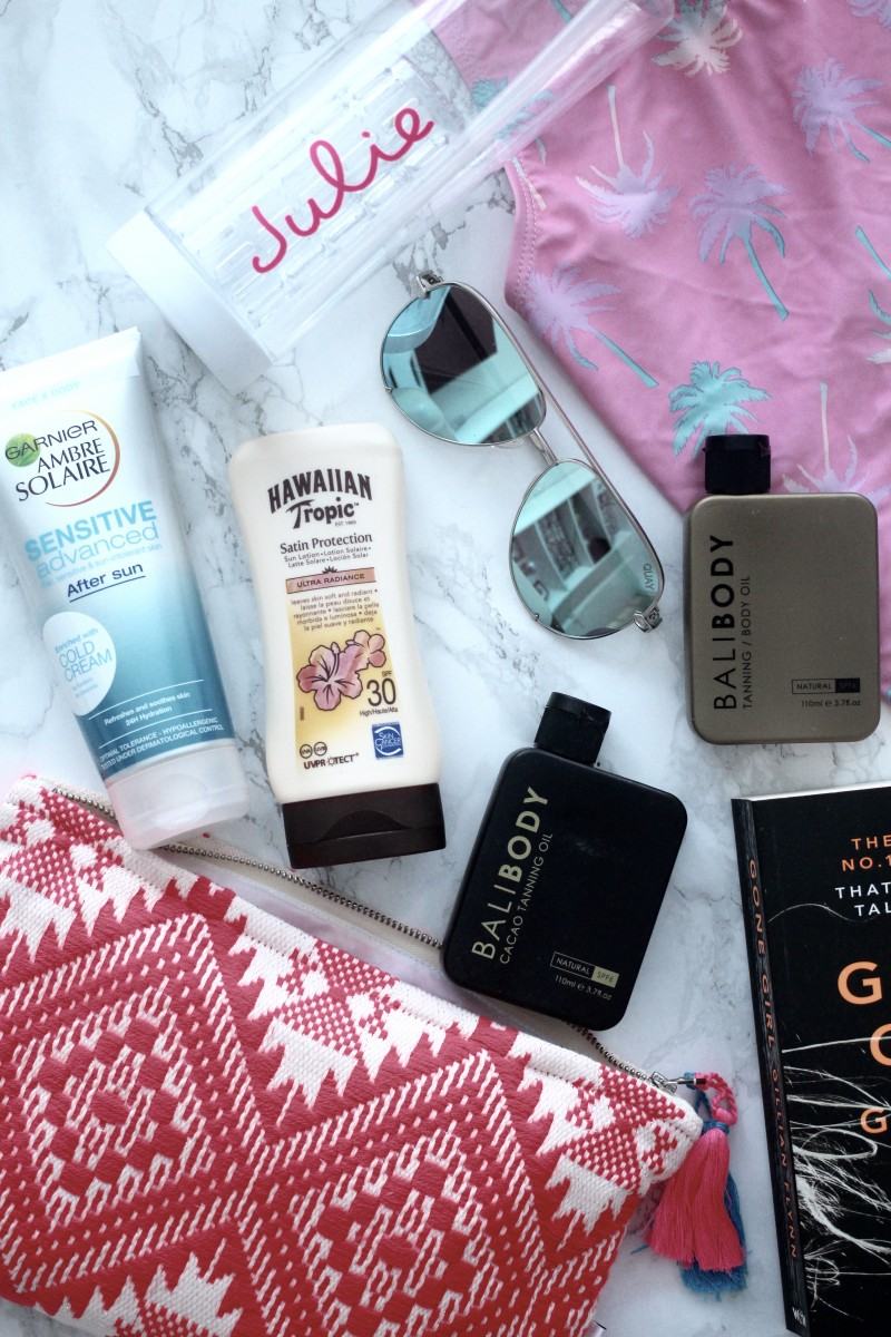 beach holiday essentials, what you must take on a beach holiday, beach holidays