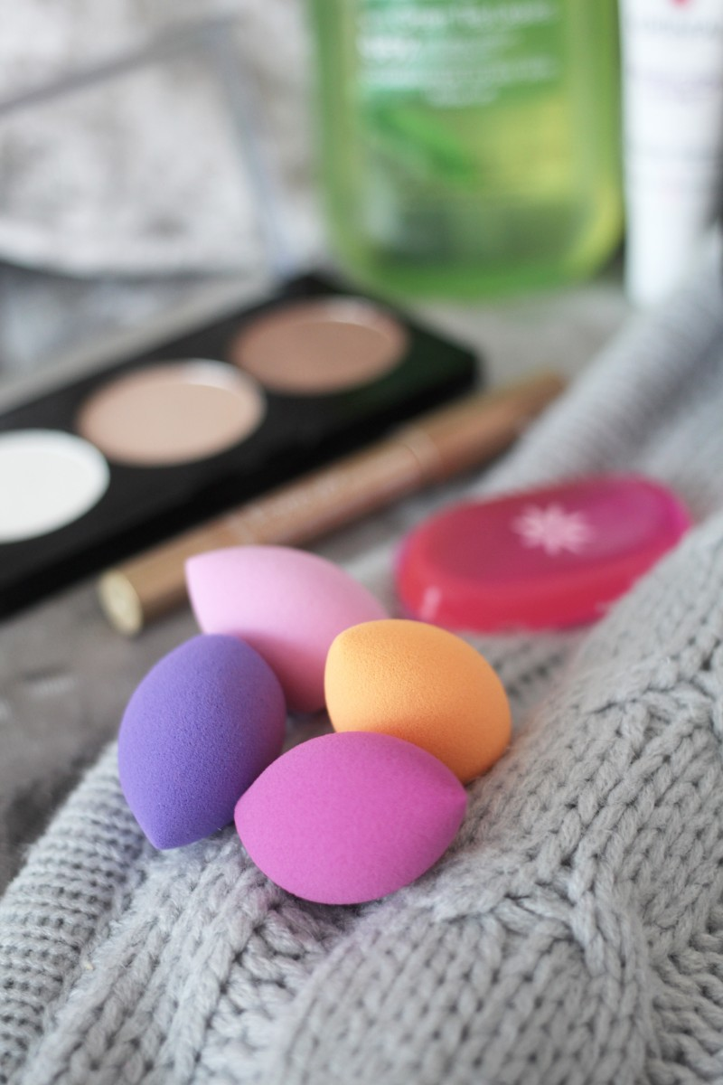 real techniques miracle make up sponges