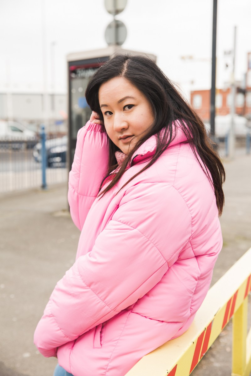 how to wear a pink puffa jacket