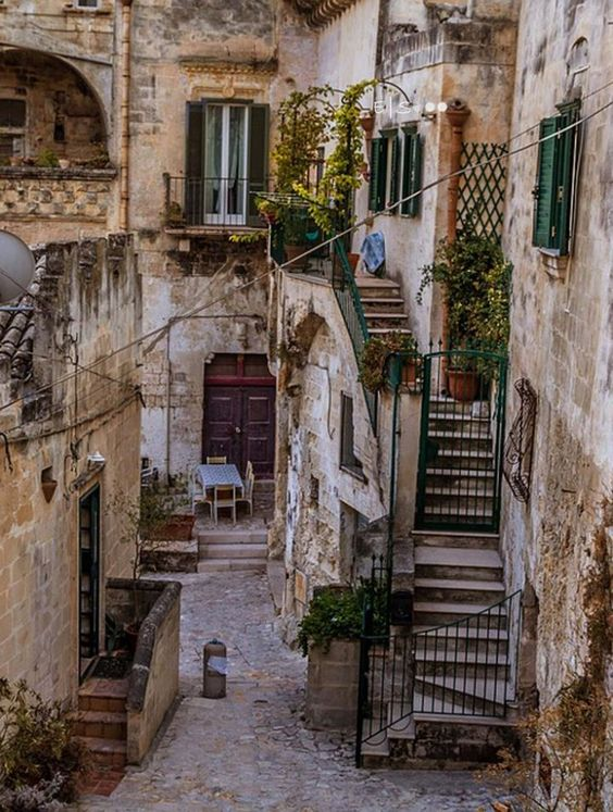 travel guide to matera